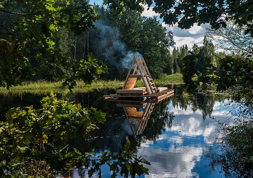 Found in Estonia: Sauna raft